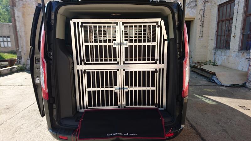 hundeboxen f r ford faustmann hundeboxen. Black Bedroom Furniture Sets. Home Design Ideas