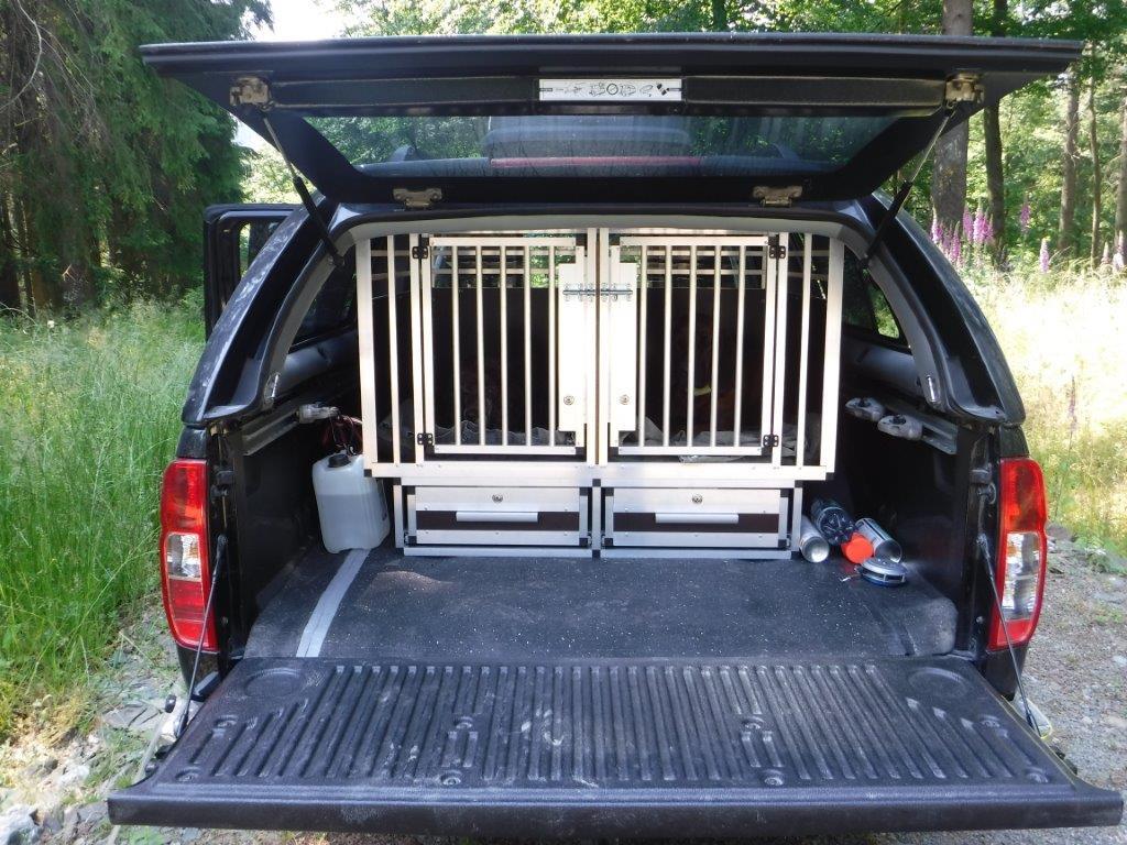 Hundeboxen F 252 R Nissan Faustmann Hundeboxen