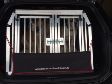 hundetransportboxen mit versetzter trennwand faustmann. Black Bedroom Furniture Sets. Home Design Ideas