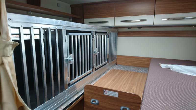 hundeboxen f r wohnmobile faustmann hundeboxen. Black Bedroom Furniture Sets. Home Design Ideas